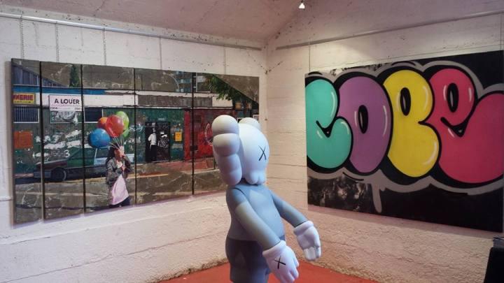 Galartis street art _cope2 kaws